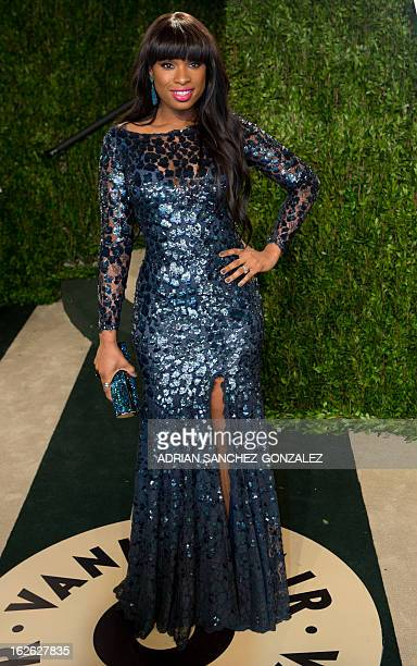 Jennifer Hudson arrives for the 2013 Vanity Fair Oscar Party on February 24 2013 in Hollywood California AFP PHOTO / ADRIAN SANCHEZGONZALEZ