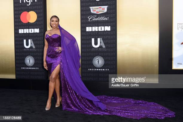 """Jennifer Hudson attends the Los Angeles Premiere of MGM's """"Respect"""" at Regency Village Theatre on August 08, 2021 in Los Angeles, California."""