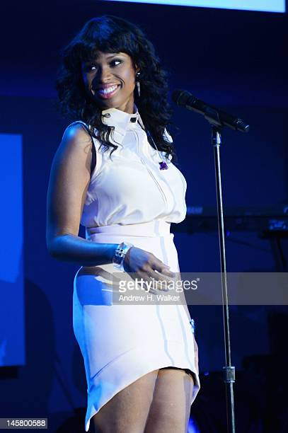 Jennifer Hudson performs at the Samsung's Annual Hope for Children gala at the American Museum of Natural History on June 4 2012 in New York City