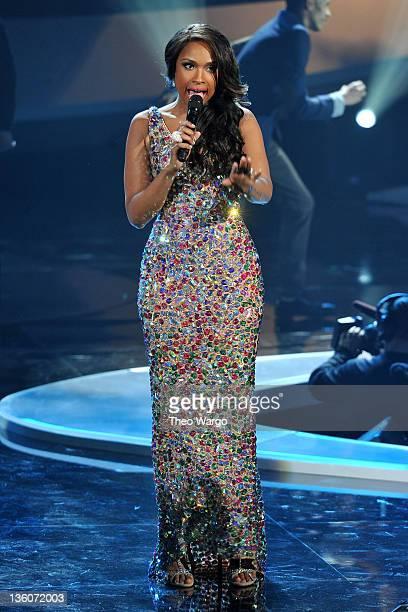 Jennifer Hudson performs onstage during VH1 Divas Celebrates Soul at Hammerstein Ballroom on December 18 2011 in New York City