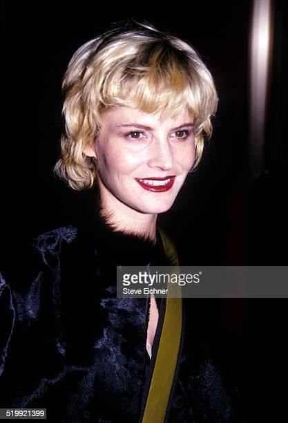 Jennifer Jason Leigh at premiere of 'The Insider' New York November 1 1999