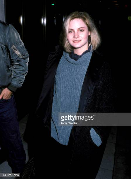 Jennifer Jason Leigh at the Premiere of 'The Hitcher', Mann National Theatre, Westwood.