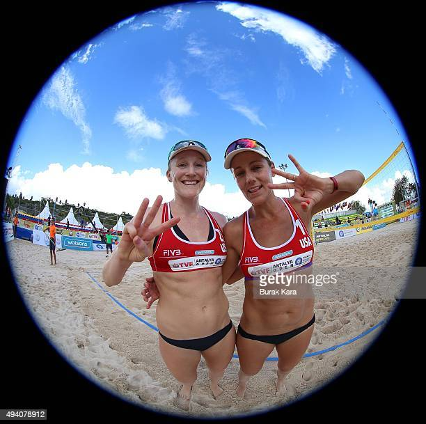 Jennifer Kessy and Emily Day of USA pose during the 5th day of the FIVB Antalya Open beach volley tournament October 24 in the Mediterranian resorty...