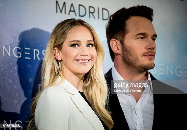 Jennifer Lawrence and Chris Pratt attend the 'Passengers' Madrid Photocall on November 30, 2016 in Madrid, Spain.