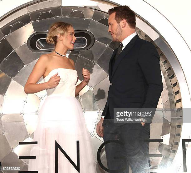 """Jennifer Lawrence and Chris Pratt attend the premiere of Columbia Pictures' """"Passengers"""" at Regency Village Theatre on December 14, 2016 in Westwood,..."""