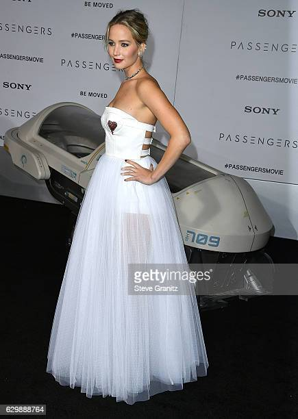 """Jennifer Lawrence arrives at the Premiere Of Columbia Pictures' """"Passengers"""" at Regency Village Theatre on December 14, 2016 in Westwood, California."""