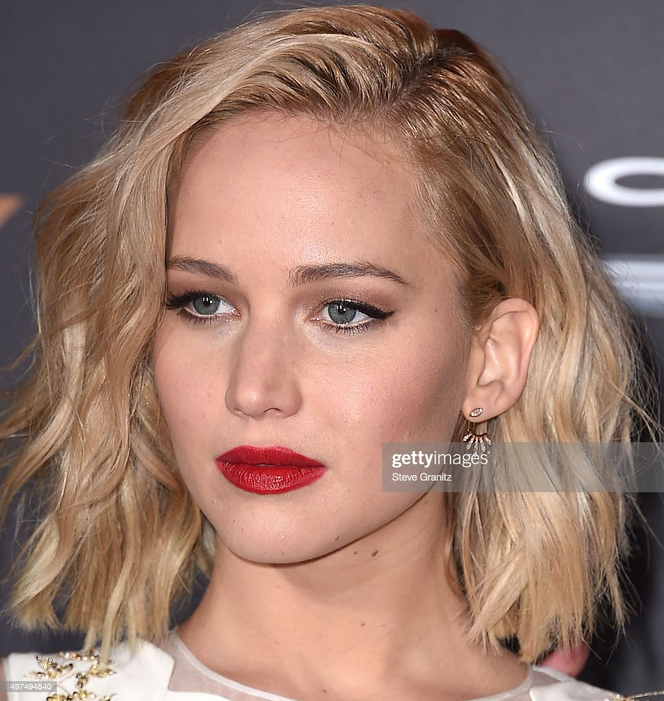 """Premiere Of Lionsgate's """"The Hunger Games: Mockingjay - Part 2"""" - Arrivals : News Photo"""