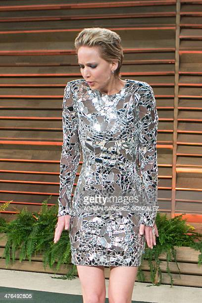 Jennifer Lawrence arrives to the 2014 Vanity Fair Oscar Party on March 2 2014 in West Hollywood California AFP PHOTO/ADRIAN SANCHEZGONZALEZ