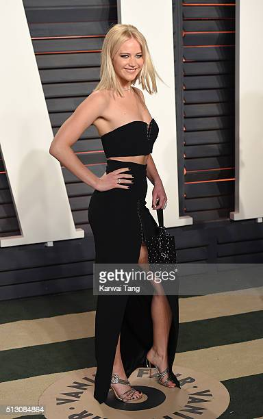 Jennifer Lawrence attends the 2016 Vanity Fair Oscar Party Hosted By Graydon Carter at Wallis Annenberg Center for the Performing Arts on February 28...