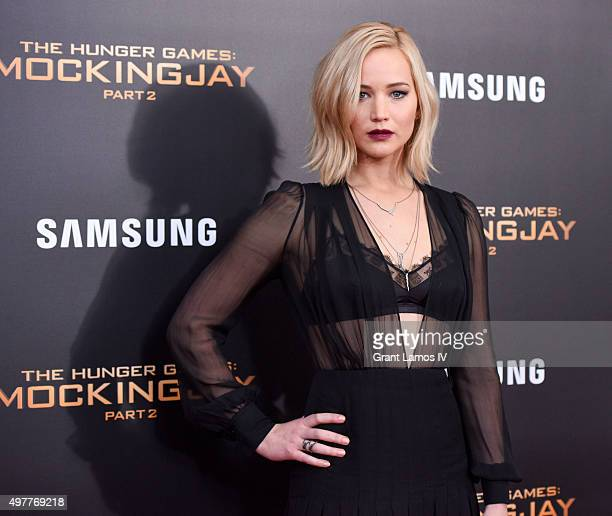 The hunger games mockingjay part 1 film jennifer lawrence attends the hunger games mockingjay part 2 premiere at amc loews lincoln voltagebd Image collections