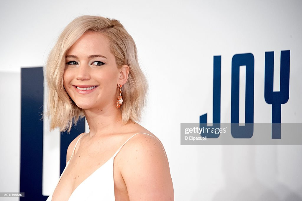 Jennifer Lawrence attends the 'Joy' New York premiere at the Ziegfeld Theater on December 13, 2015 in New York City.