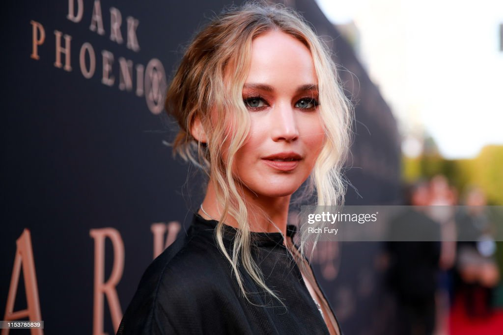 "Premiere Of 20th Century Fox's ""Dark Phoenix"" - Red Carpet : Photo d'actualité"