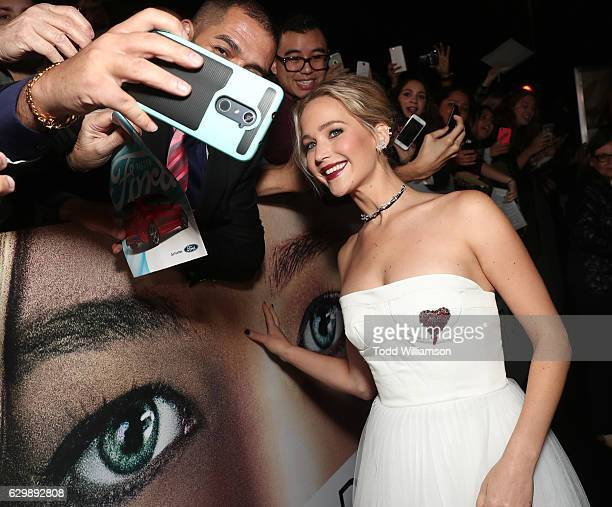 """Jennifer Lawrence attends the premiere of Columbia Pictures' """"Passengers"""" at Regency Village Theatre on December 14, 2016 in Westwood, California."""