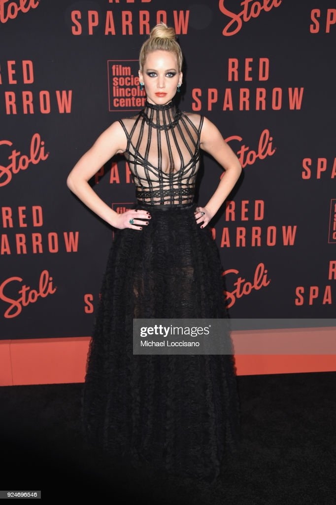 jennifer-lawrence-attends-the-red-sparrow-new-york -premiere-at-alice-picture-id924696546