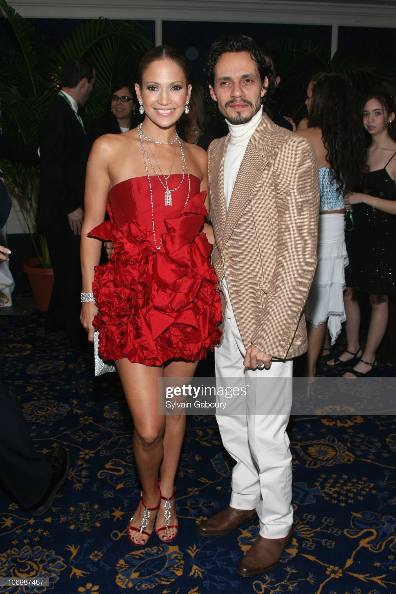¿Cuánto mide Marc Anthony? - Altura - Real height Jennifer-lopez-and-marc-anthony-during-2006-latin-recording-academy-picture-id106987487?s=2048x2048