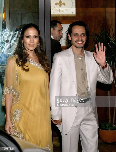 Jennifer Lopez and Marc Antony leave a restaurant in central Rome after dinner with Katie Holmes and Tom Cruise on November 17 2006 in Bracciano...