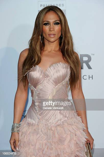 Jennifer Lopez arrives at amfAR's Cinema Against AIDS 2010 benefit gala at the Hotel du Cap on May 20, 2010 in Antibes, France.