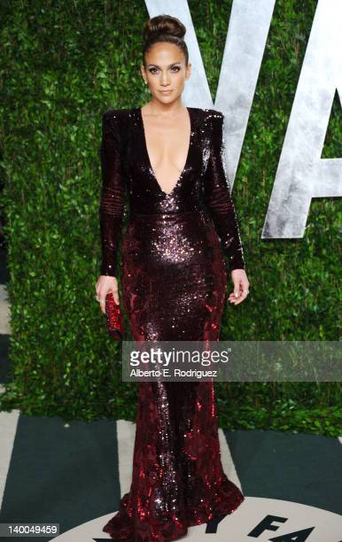 Jennifer Lopez arrives at the 2012 Vanity Fair Oscar Party hosted by Graydon Carter at Sunset Tower on February 26, 2012 in West Hollywood,...