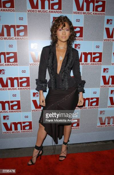 Jennifer Lopez arrives for the 2002 MTV Video Music Awards at Radio City Music Hall in New York City August 29 2002 Photo by Frank...