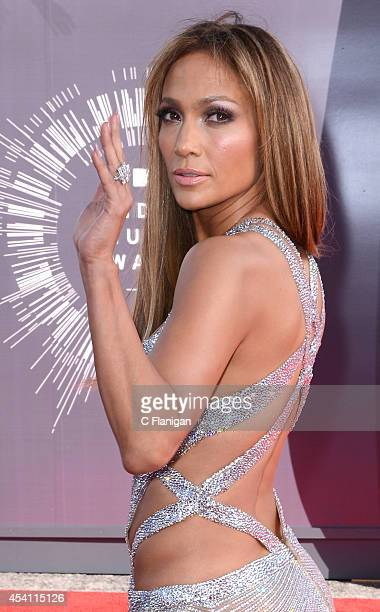Jennifer Lopez arrives to the 2014 MTV Video Music Awards at The Forum on August 24 2014 in Inglewood California