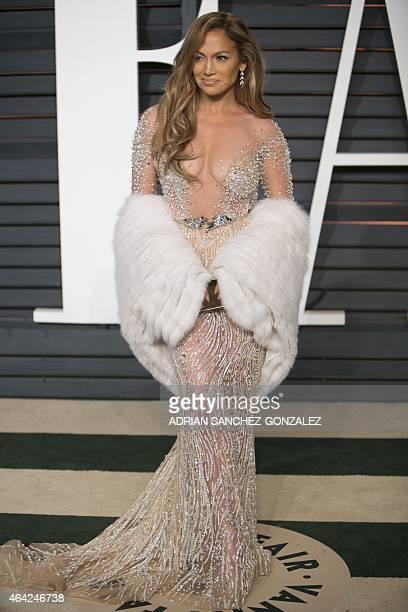 Jennifer Lopez arrives to the 2015 Vanity Fair Oscar Party February 22 2015 in Beverly Hills California GONZALEZ