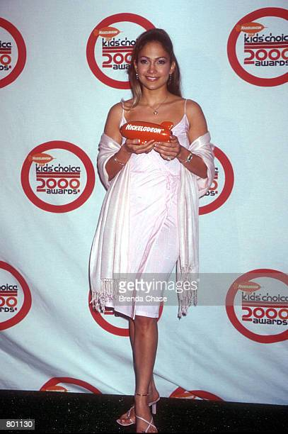 Jennifer Lopez attends the 13th Annual Kids'' Choice Awards April 14th 2000 in Hollywood CA