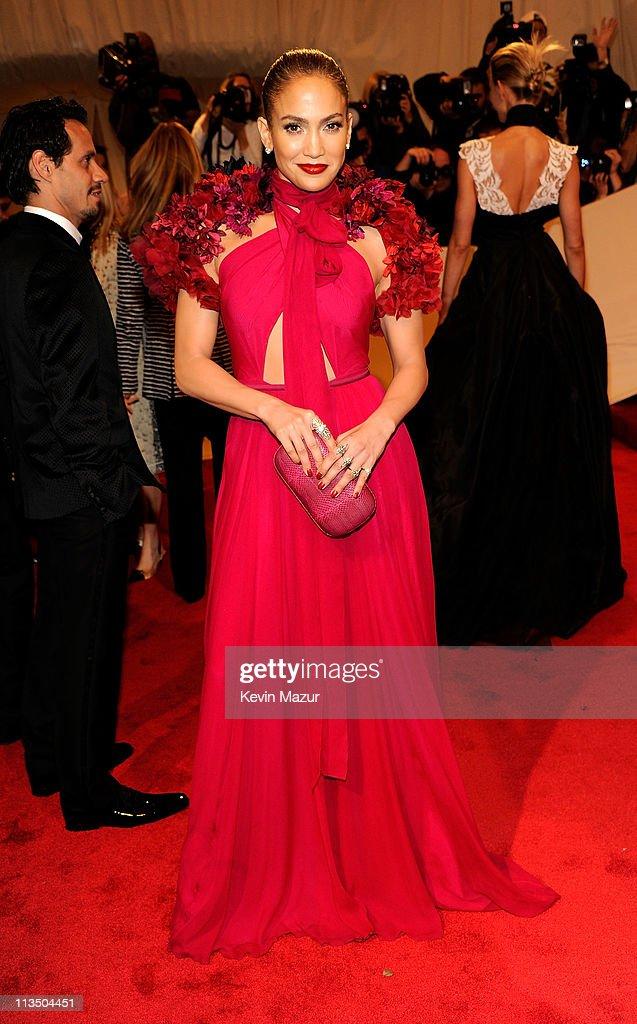 """Alexander McQueen: Savage Beauty"" Costume Institute Gala At The Metropolitan Museum Of Art - Arrivals : News Photo"