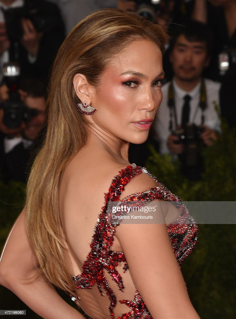 """China: Through The Looking Glass"" Costume Institute Benefit Gala - Arrivals : News Photo"