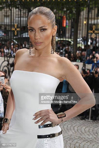 Jennifer Lopez attends the Versace show as part of Paris Fashion Week - Haute Couture Fall/Winter 2014-2015 on July 6, 2014 in Paris, France.