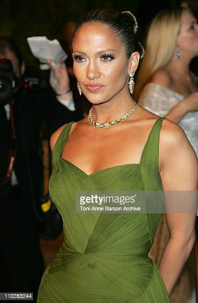 Jennifer Lopez during 2006 Vanity Fair Oscar Party Hosted by Graydon Carter Arrivals at Morton's in West Hollywood California United States