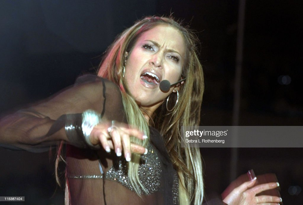 Jennifer Lopez Performs At The Annual Z100 Jingle Ball Concert : News Photo