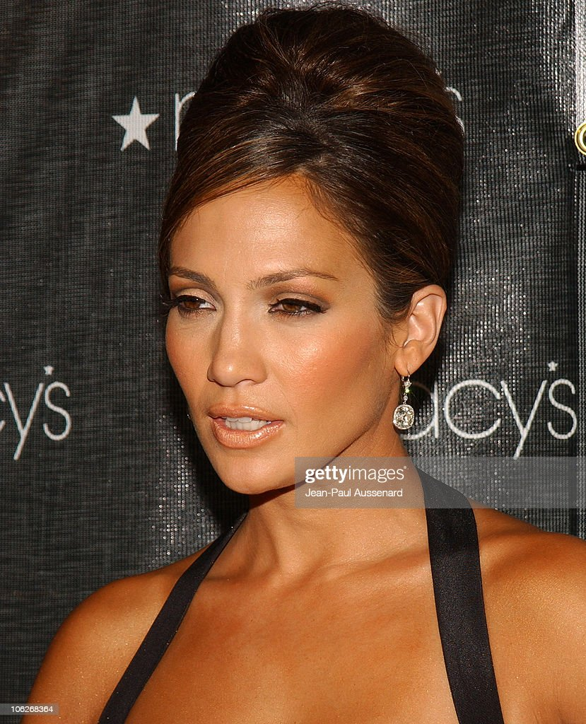 Jennifer Lopez during Macy's and American Express Passport Gala 2005 - Arrivals at Barker Hanger in Santa Monica, California, United States.
