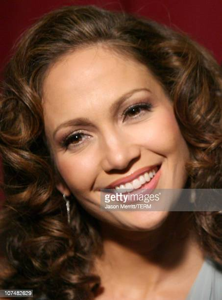 Jennifer Lopez during Singers and Songs Celebrate Tony Bennett's 80th to Benefit Paul Newman's Hole in the Wall Camps - Arrivals at Kodak Theater in...