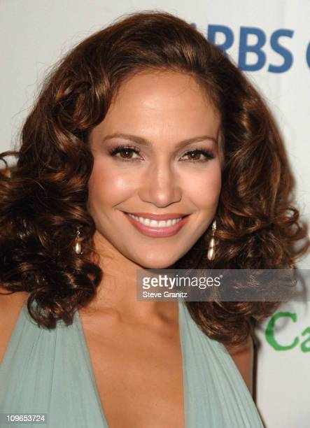 Jennifer Lopez during Singers and Songs Celebrate Tony Bennett's 80th to Benefit Paul Newman's Hole in the Wall Camps Arrivals at Kodak Theatre in...