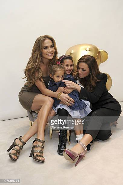 1 599 Jennifer Lopez Kids Photos And Premium High Res Pictures Getty Images