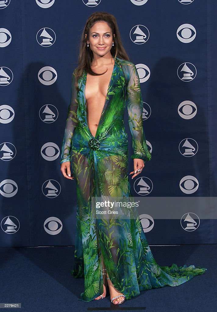 UNS: J-Lo's Famous Grammys Dress Makes Another Comeback