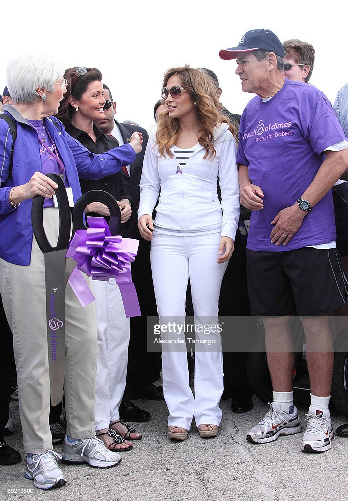 Jennifer Lopez Participates In The 2009 March of Dimes March for Babie : News Photo