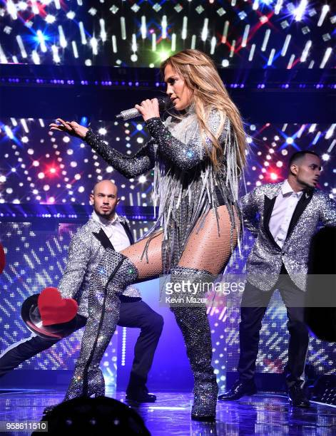Jennifer Lopez performs on stage during The Robin Hood Foundation's 2018 benefit at Jacob Javitz Center on May 14 2018 in New York City