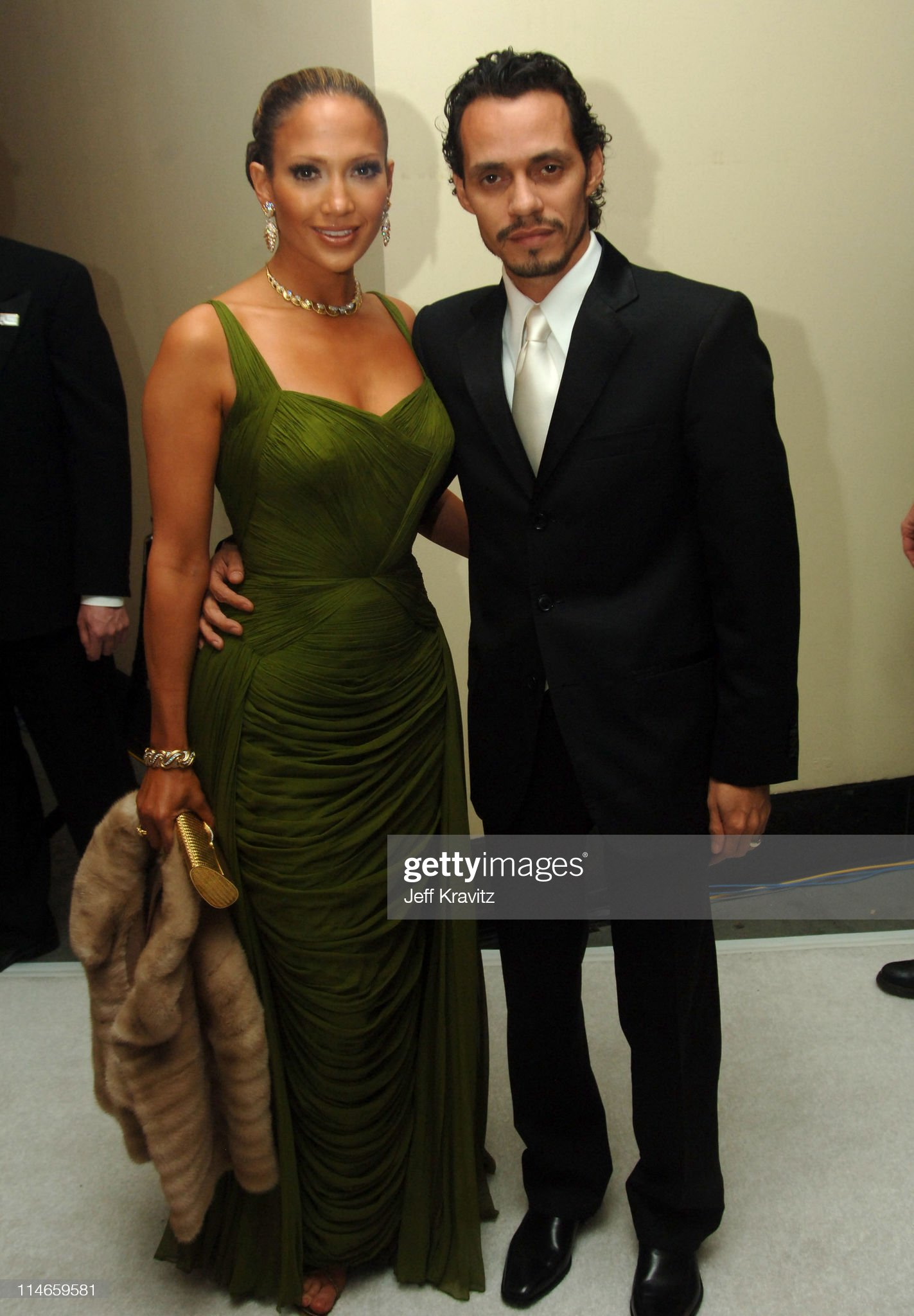 ¿Cuánto mide Marc Anthony? - Altura - Real height Jennifer-lopez-presenter-and-marc-anthony-during-the-78th-annual-picture-id114659581?s=2048x2048