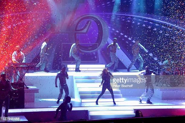 Jennifer Lopez Tänzer Musiker M a r k u s L a n zPremiere ZDFShow Wetten dass Düsseldorf NordrheinWestfalen Deutschland Europa Bühne Auftritt Mikro...