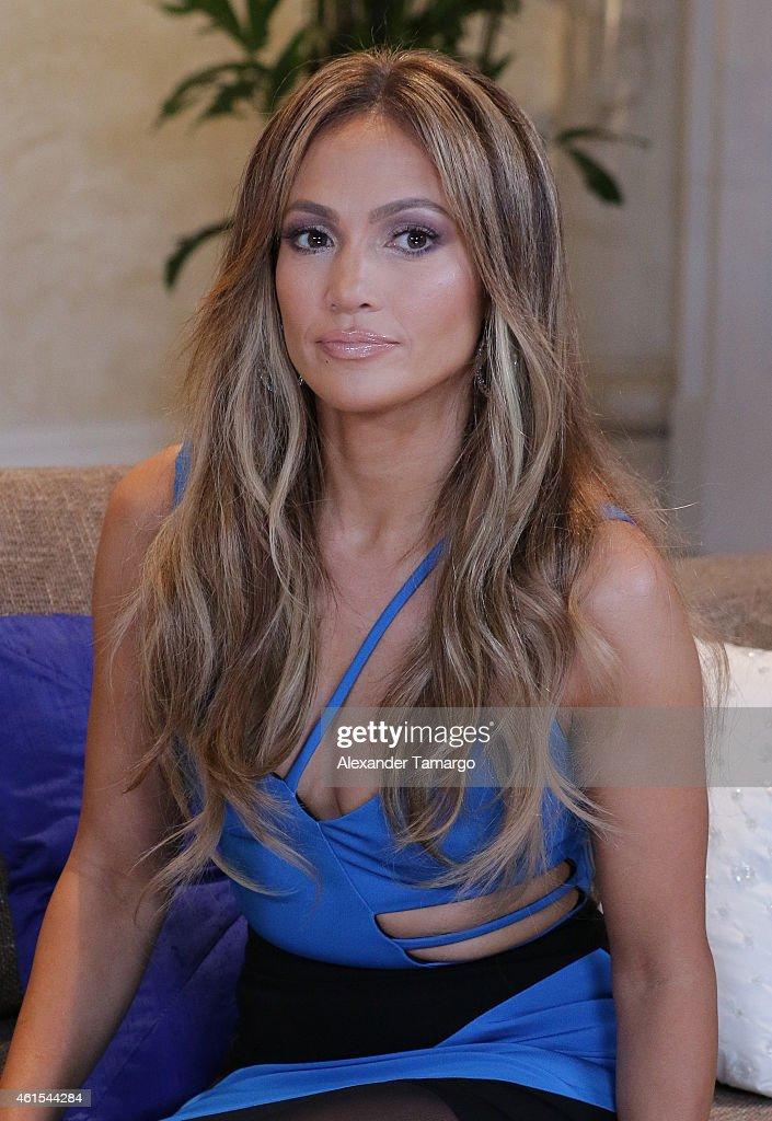 Jennifer Lopez Visits Univisions Nuestra Belleza Latina Mansion : News Photo