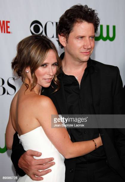 Jennifer Love Hewitt and Jamie Kennedy arrives at the 2009 TCA Summer Tour CBS CW and Showtime AllStar Party at the Huntington Library on August 3...