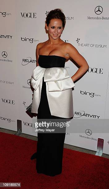 Jennifer Love Hewitt arrives at Art Of Elysium's 4th Annual Heaven Charity Gala at California Science Centers Wallis Annenberg Building on January 15...
