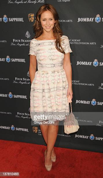 Jennifer Love Hewitt arrives at the 17th Annual BAFTA Los Angeles Awards Season Tea Party at the Four Seasons Hotel on January 15 2011 in Los Angeles...