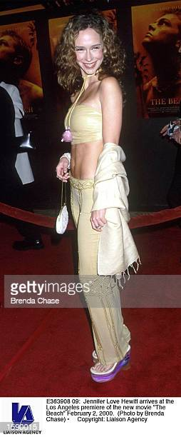 Jennifer Love Hewitt arrives at the Los Angeles premiere of the new movie The Beach February 2 2000