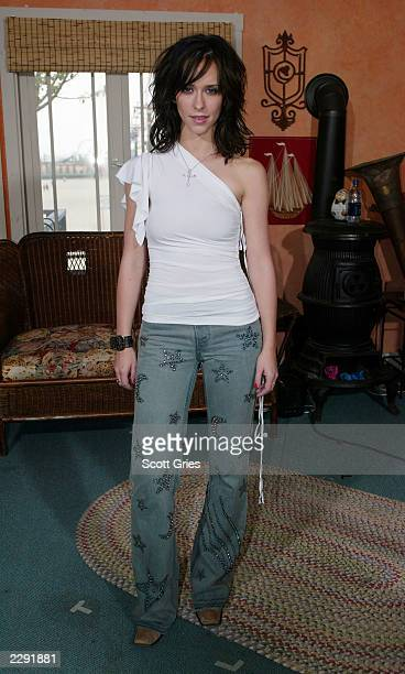 Jennifer Love Hewitt backstage during MTV All Access Week on TRL at the MTV Beach House in Seaside Heights New Jersey 7/18/02 Photo by Scott...