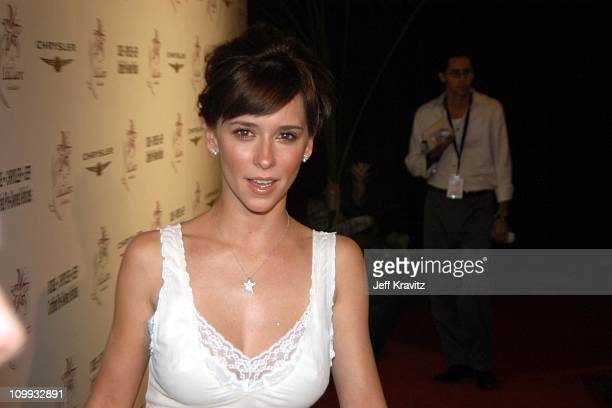 Jennifer Love Hewitt during The Lili Claire Foundation's 6th Annual Benefit Hosted by Matthew Perry - Red Carpet Arrivals at The Beverly Hilton Hotel...