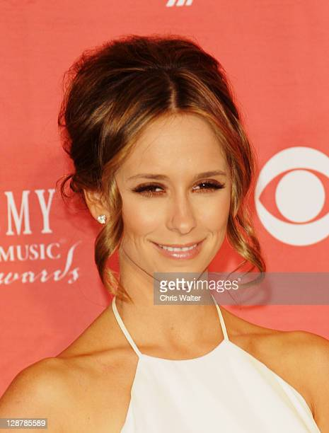 Jennifer Love Hewitt in the Press Room for the 2009 Academy Of Country Music Awards at the MGM Grand in Las Vegas on April 5th 2009