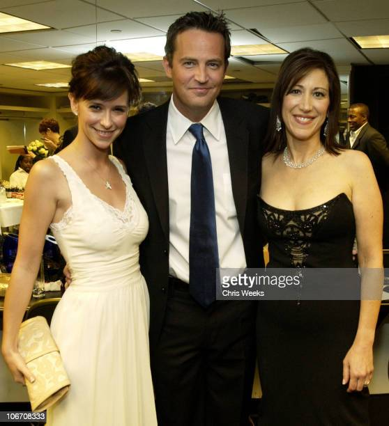 Jennifer Love Hewitt Leslie LittResnick and Matthew Perry *Exclusive*