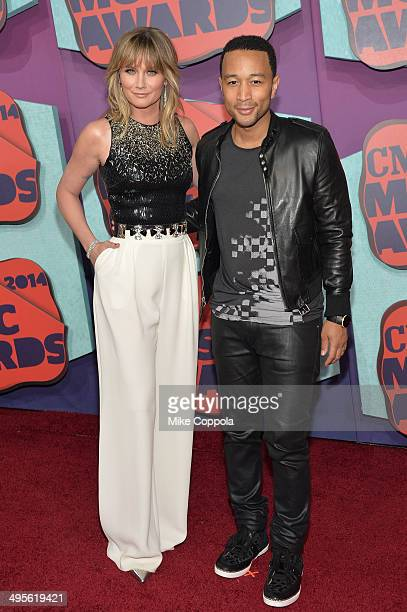 Jennifer Nettles and John Legend attend the 2014 CMT Music awards at the Bridgestone Arena on June 4, 2014 in Nashville, Tennessee.